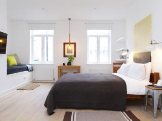 Fitzrovia Studio I - central, lovely and new, London