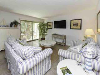 Fresh & Fun 2 BR / 2 BA  Bluffs Villa in South Beach, Hilton Head