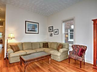 Boston's 2 bedrooms near Stony Brook's Orange line