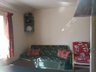 Apartment in very quiet area near tube station