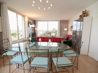 3BR Rental with Terrace at Montparnasse in Paris