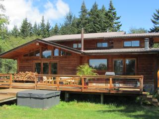 Comfortable Family Cottage/Cabin with Hot Tub, Olga