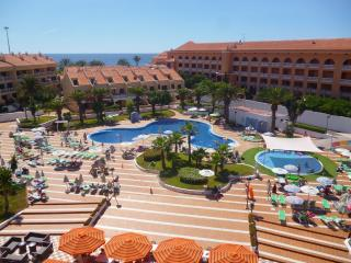 2-bed apartment on the 1st beachline of Las Vistas, Playa de las Americas