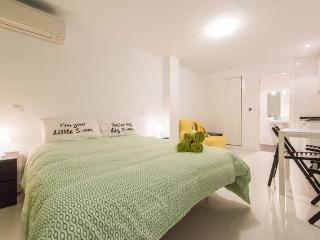 Home Rentals Madrid Center 0-4 AC&WIFI