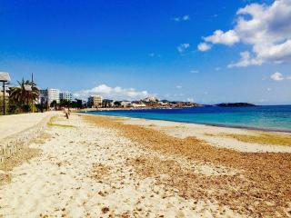 Fabulous 1Bed Apt. Sea View 10mt away from Beach, Playa d'en Bossa