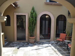 Guadiana - Great Location! 2 bedroom, 2.5 baths, San Miguel de Allende