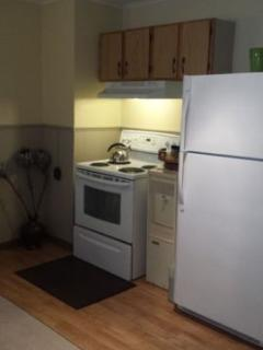 Newer full size appliances.