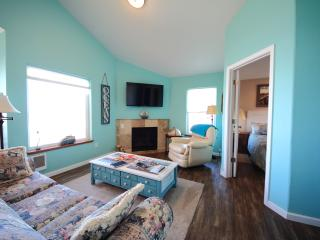 The Lookout-Beachfront, Kitchen, Fireplace,balcony, Lincoln City