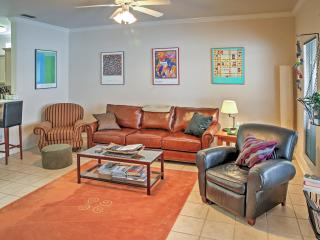Spacious & Modern 3BR Corpus Christi Townhome w/Wifi, Private Hot Tub, Hammock & Community Pool Access - Just 1 Block to the Beach! Close to Schlitterbahn & Other Attractions!