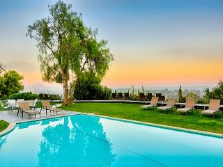 Endless Vistas, Private Pool, Elegance & Tranquility