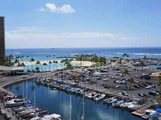 Incredible Oceanfron and Marina Front Views, Honolulu