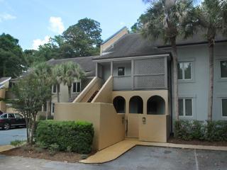 Colonnade Club, 204, Hilton Head