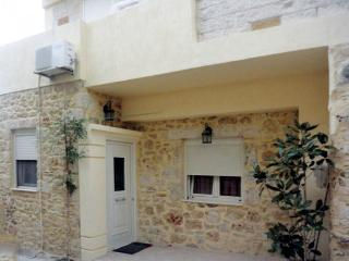 Apartment Sofia, live in a traditional village!, Chersonissos