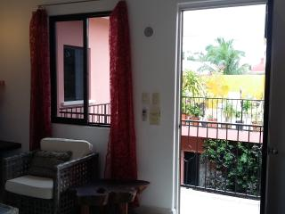Apt6 Spacious 1bed apt 5 min walk to ocean, Cozumel