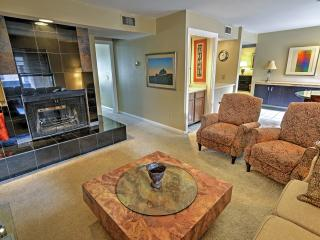 Elegant 2BR Oklahoma City Condo w/Wifi, Lush Landscape Views & Community Pool/Hot Tub -  Walk to Countless Downtown Attractions!