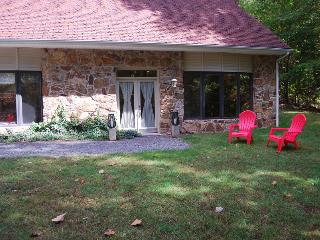 Front and side area of the Cottage is perfect for lawn games.