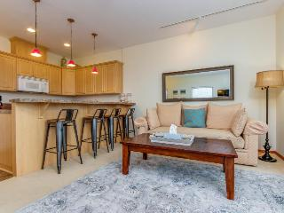 Pet-friendly townhouse with ocean view, Rockaway Beach