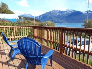 Snapper's Inn, 2 BR cottage, deck, ocean view, Haines