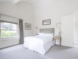 onefinestay - Belsize Lane private home, London