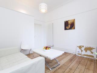 onefinestay - Canonbury Square private home, Londen