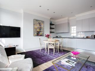 onefinestay - Egerton Place apartment, London