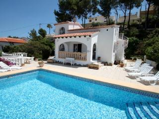 Paraiso Terrenal 4 - well-furnished villa with panoramic views by Benissa coast, Moraira