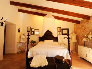 Comfortable, spacious and well equipped typical Majorcan country house - HM010BBT, Son Servera