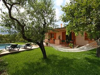 Modern country house for 5 people, bright and comfortable with nice views to the mountains - HM010GRG, Son Servera