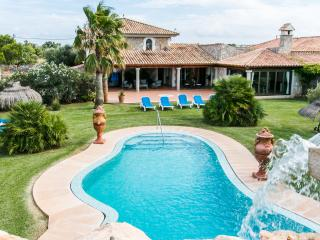 Spectacular country house in Muro, with spacious and open rooms and wonderful garden with large pool - HM010GMD
