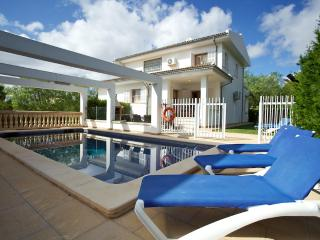 Comfortable and spacious villa just 150 meters from the Muro beach - HM010SRN, Playa de Muro