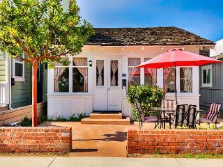 Location and Price - Steps to the Beach, Restaurants, Park and Shopping, Newport Beach