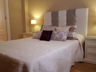 Cálido, elegante y céntrico apartamento.