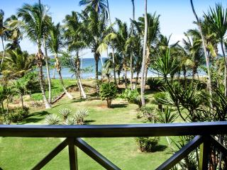 Villa Flamboyan - Ocean Front