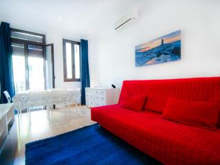 Apartment with Balcony in Downtown (Borne), Barcelona