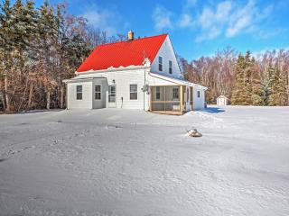 Reduced Rates! New Listing! Quaint Recently Renovated 2BR Murray Harbour House w/Screened-in Porch & Private Access to Fox River Ocean Inlet - Wonderful Location on 27 Acres of Land!