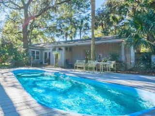 Hickory Lane 4, 3 Bedrooms, Private Pool, Hot Tub, Near Beach, Sleeps 8, Hilton Head