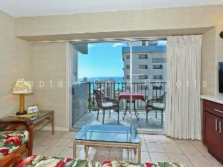 Ocean View Lanai, central A/C, 5 min. walk to beach!  Sleeps 4., Honolulu