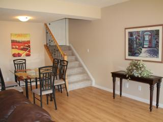 Beautiful 3 Bedroom Suite in Golf Course By WEM, Edmonton