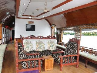 Two bedroom Kerala Houseboat, Alappuzha