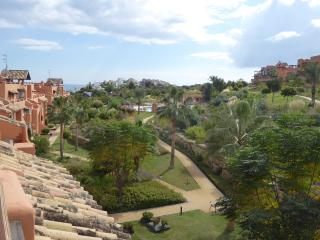 Penthouse in Casares del Sol, near beach and golf.