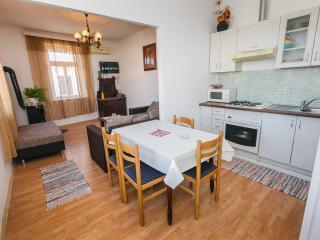 Cozy apartment at the Adria coast, Kastel Stafilic
