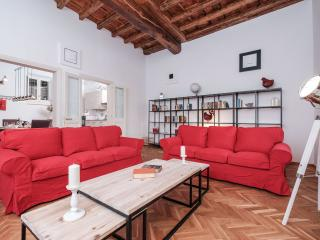 Wonderous 2BR Apartment at S. Maria in Trastevere, Rome