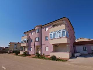 Apartment 3677