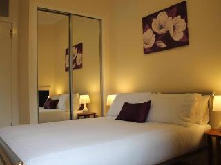 Modern First Floor Apartment: Perth City Apartment