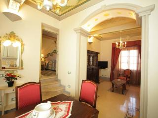 Historic apartment in Rapolano Terme