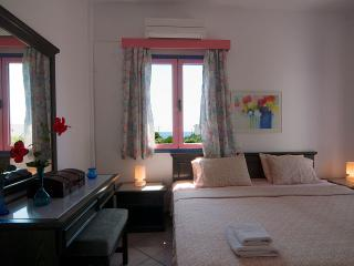Cybele Apartments, Makry-Gialos