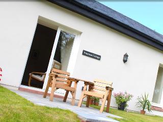 Prestige peaceful getaway: Primrose Garden Cottage, Arden
