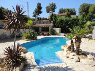 Villa with private pool 1 mile from moraira tiown, Moraira