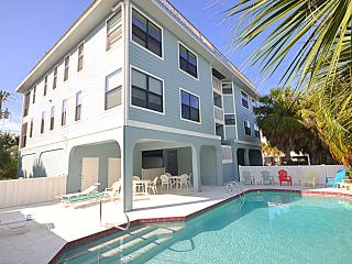 AnnaMariaBeachCondo - Sleeps up to 12 persons!, Anna Maria Island