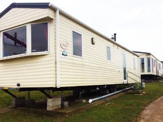 Hillside 2, Combe Haven Holiday Park, Hastings